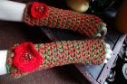 Crochet armwarmers with flowers